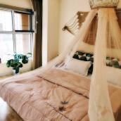 青島海峰家loft美宿公寓(8號店)
