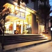 藍康恆萬壽菊酒店