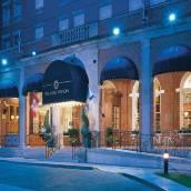 尼爾森勳爵酒店及套房